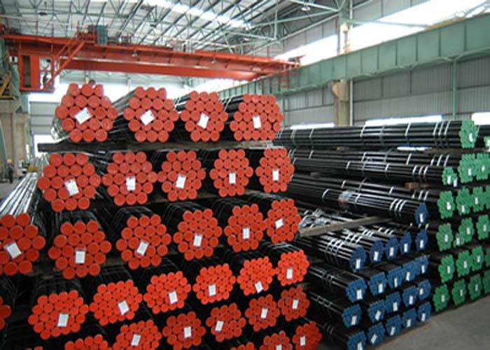 API 5L, API 5CT, ASTM A106 / A53, DIN 2391, EN10305, EN10210 Tube en acier sans soudure en alliage de carbone